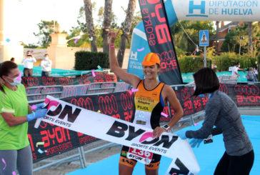 María Pujol y Mikel Ugarte ganan el Triatlón MD Islantilla
