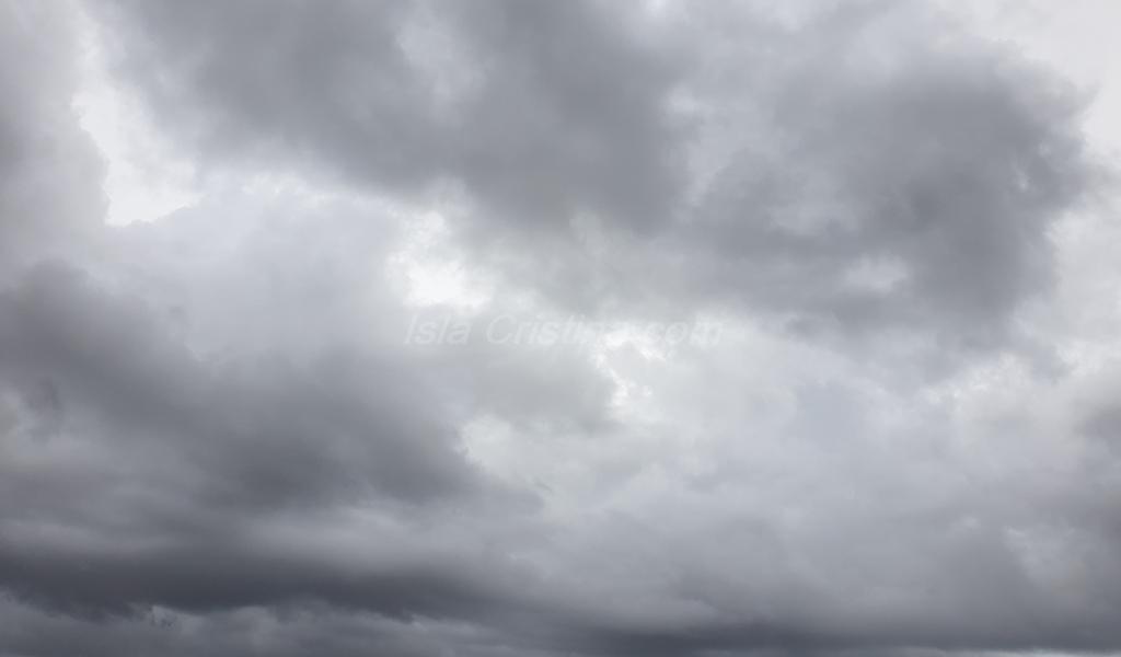 La lluvia deja en la provincia una veintena de incidencias, sobre todo por anegaciones