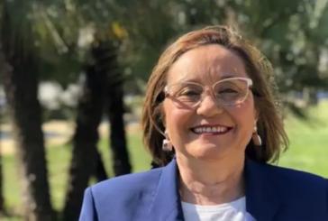 María Luisa Faneca felicita a la nueva presidenta de la Diputación Provincial, María Eugenia Limón .