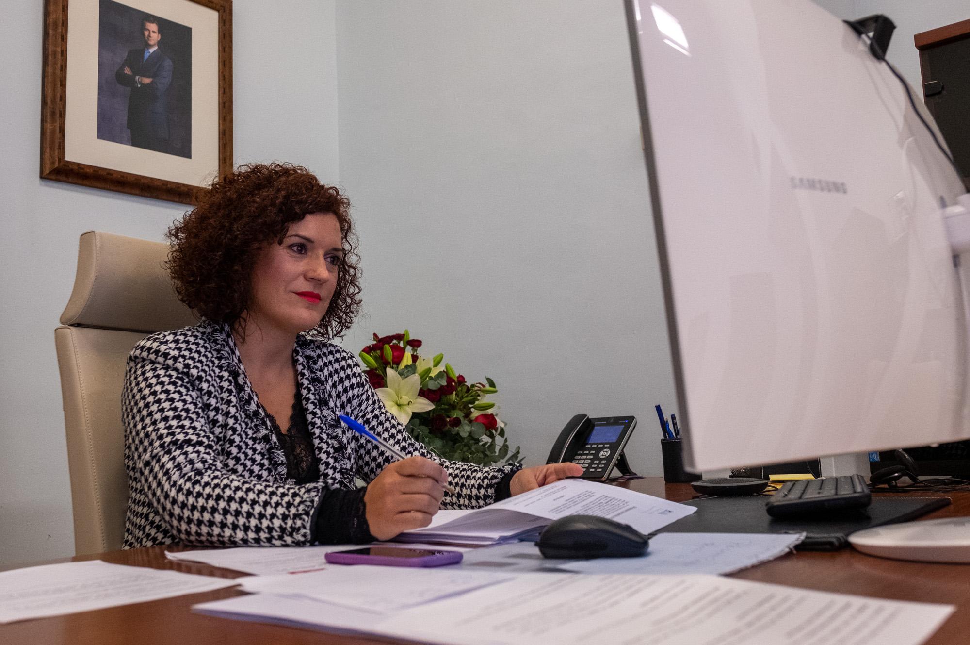 María Eugenia Limón asume la presidencia de la Diputación hasta el pleno que deberá celebrarse en un plazo de diez días