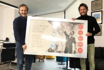 Cuarto disco de platino para Manuel Carrasco por 'La Cruz del Mapa'
