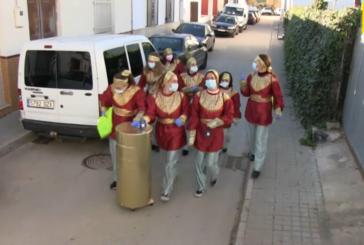 Los Pajes Reales de sus Majestades Los Reyes Magos recorren las calles de La Redondela