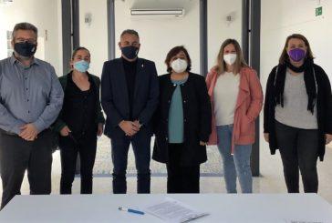 El Ayuntamiento de Isla Cristina y la Asociación Huelva acoge firman un convenio de colaboración en materia de integración social e inmigración