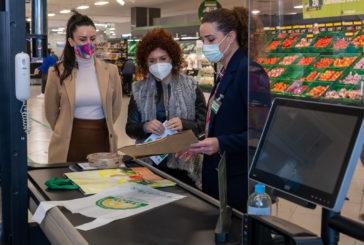 La presidenta de Diputación conoce en Lepe el nuevo modelo de 'tienda eficiente' de Mercadona