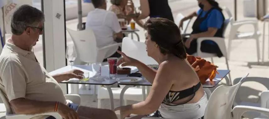 El sector hostelero de Huelva factura esta Semana Santa un 60% menos que antes de la pandemia
