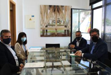El Delegado Territorial de Igualdad, Políticas Sociales y Conciliación de la Junta de Andalucía visita Isla Cristina