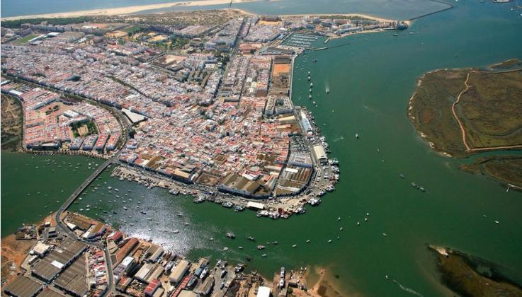 Isla Cristina entre los 30 mejores pueblos costeros de Andalucía para el verano, según la prestigiosa revista Traveler