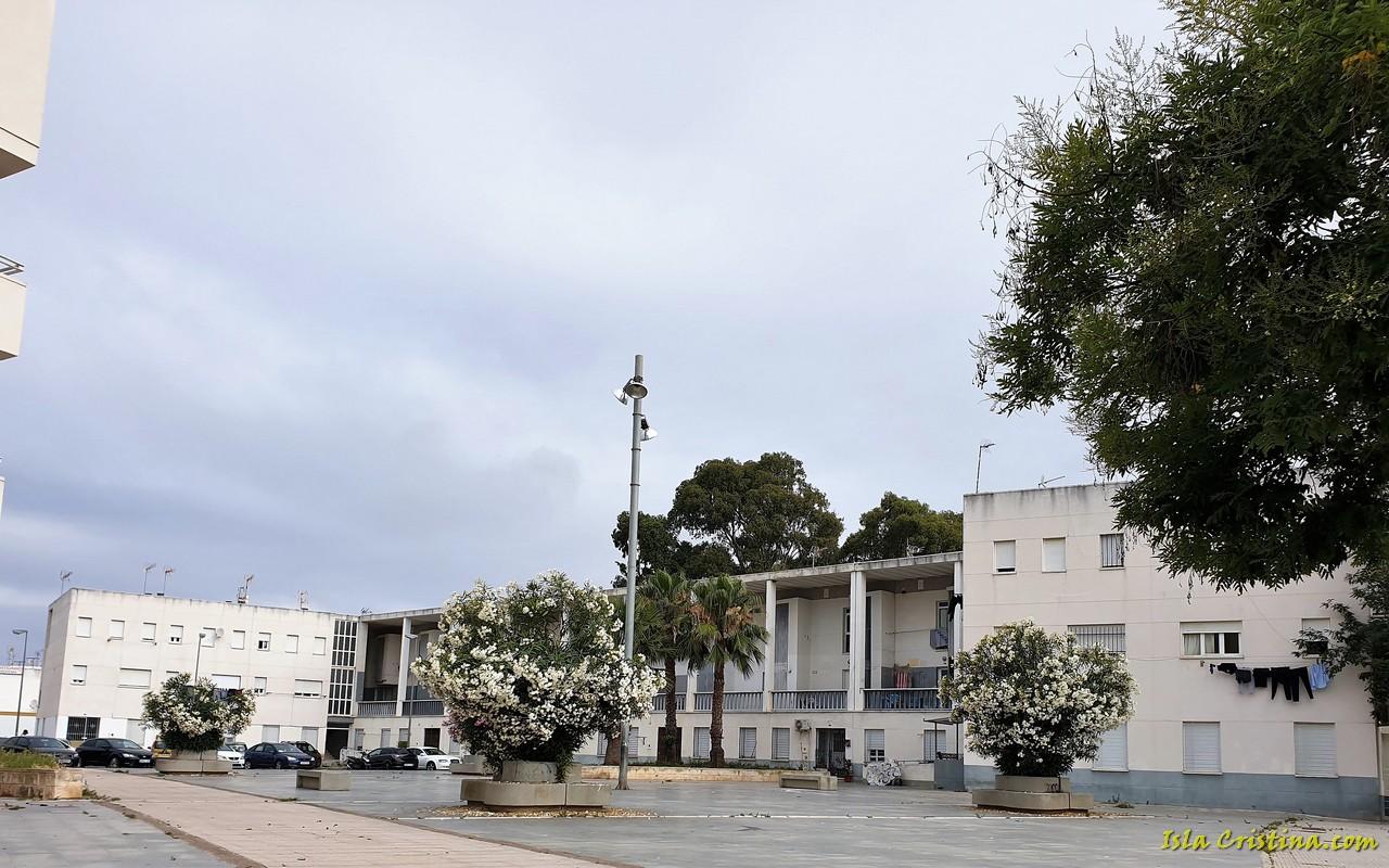Obras de eficiencia energética en las viviendas de la plaza de Las Estibadoras de Isla Cristina