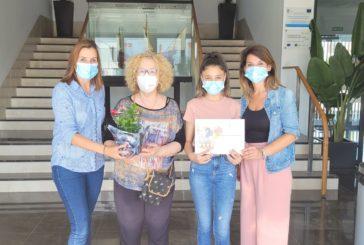 El Ayuntamiento de Isla Cristina reconoce a dos participantes en el I Concurso de Fachadas y Balcones por las Cruces de Mayo