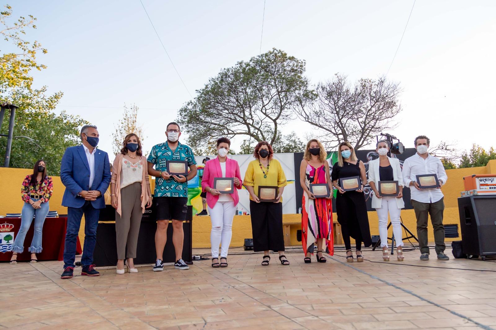 El Ayuntamiento de Isla Cristina rinde homenaje ala Comunidad Educativa tras un curso marcado pro la Pandemia