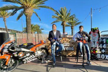 El piloto onubense Hugo Millán presenta su nueva imagen y a su equipo de trabajo