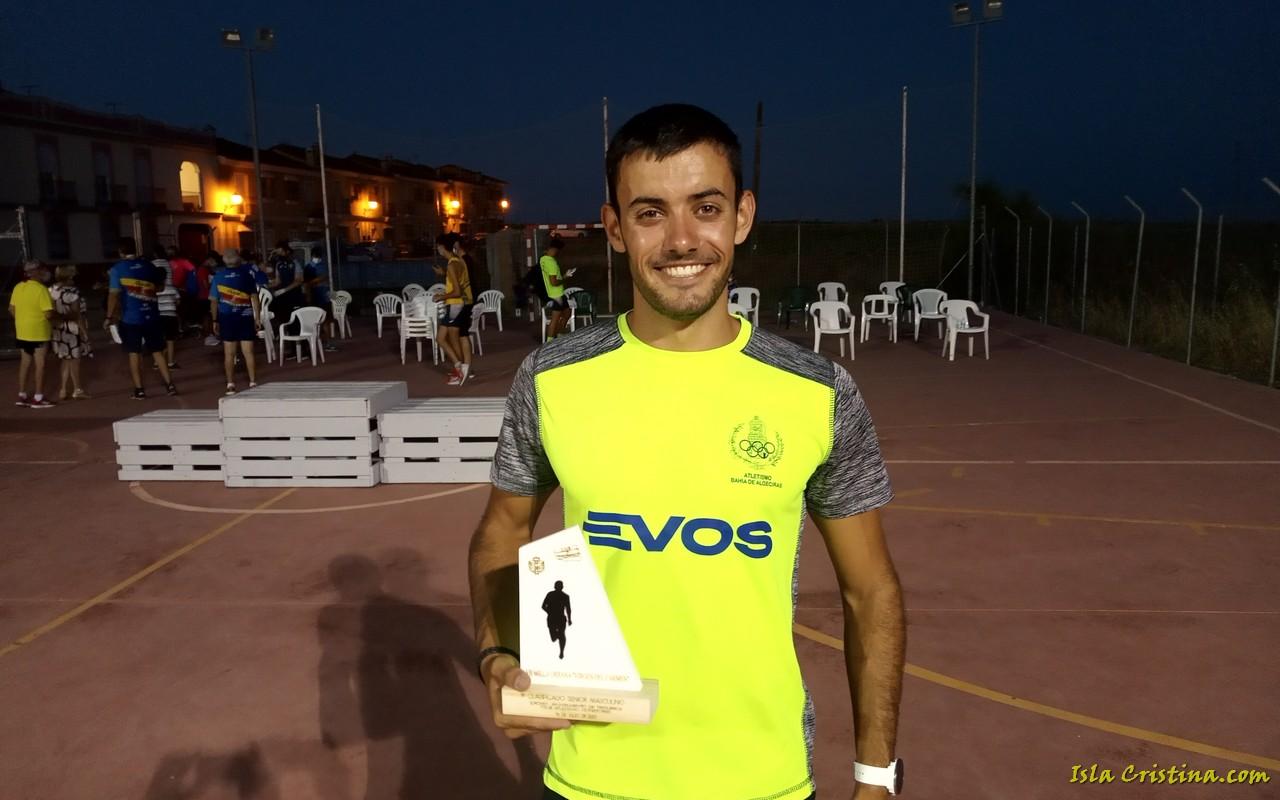 Triunfo del atleta isleño Ángel Real en la Milla Urbana de Trigueros