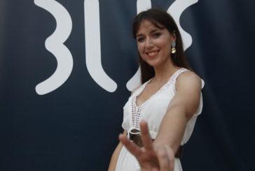 Lorena Garam gana el primer empleo como clienta de hotel de lujo en Isla Cristina