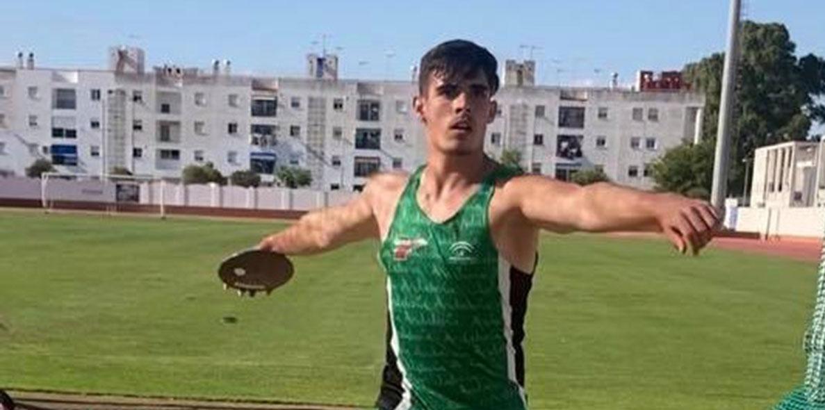 Francisco Manuel Santana disputa el Nacional sub 18