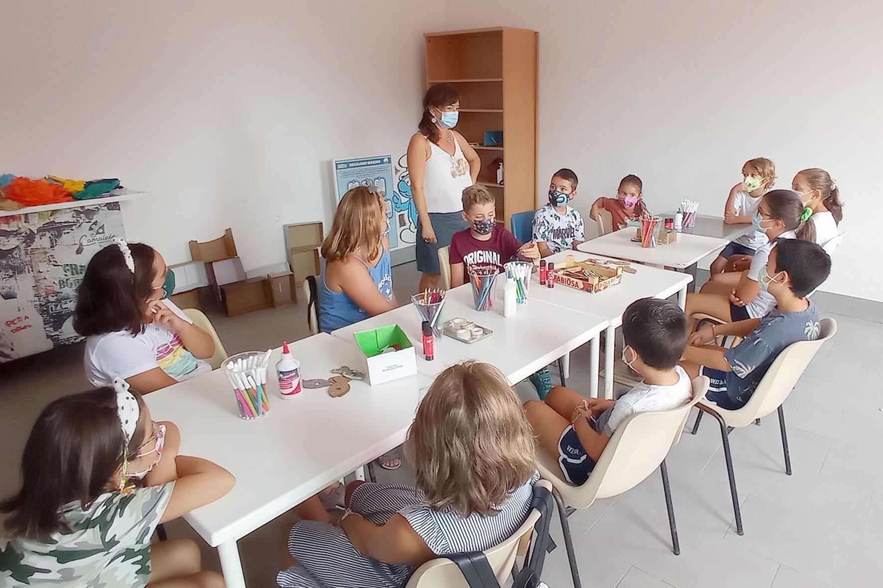 Más de medio centenar de niños participan en los talleres de Educación Ambiental 'Exploradores de la Naturaleza' de Islantilla