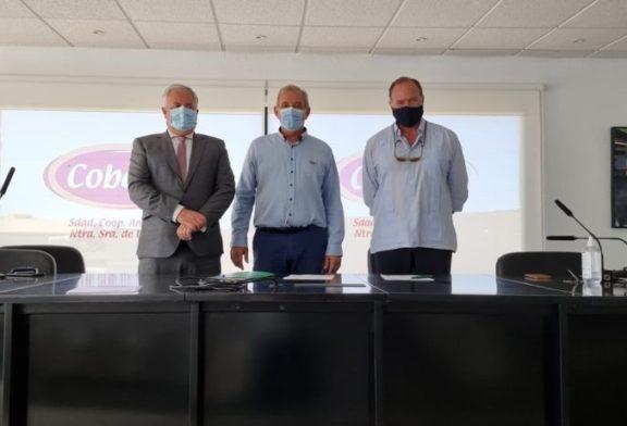 Caja Rural del Sur financia las actividades productivas de los socios de la Cooperativa COBELLA