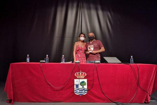 Miguel Gómez Martínez 'Miguelín' diserta sobre el Carnaval Isleño en el Ciclo Martes Culturales