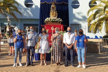 Ofrenda de nardos a la Virgen del Mar, Patrona de la barriada isleña de la Punta del Caimán
