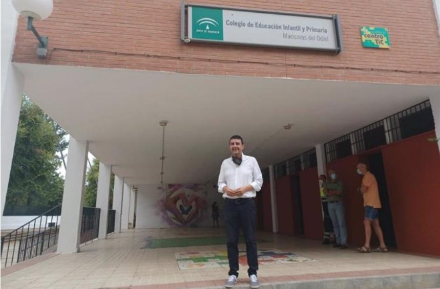 El PSOE-A exige a la Junta que asuma los gastos de la desinfección extraordinaria en los centros escolares