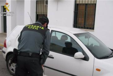 Dos detenidos por robar en vehículos aparcados en los accesos a las playas de Isla Cristina