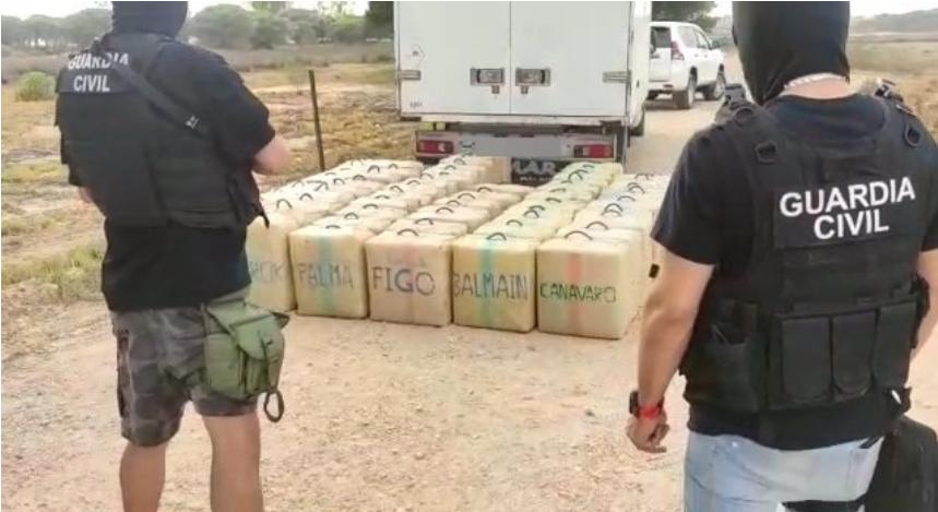 Intervienen más de tres toneladas de hachís en dos operativos en Mazagón e Isla Cristina
