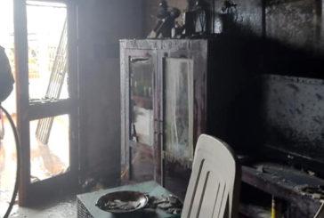 Arde una vivienda en la urbanización isleña de Urbasur