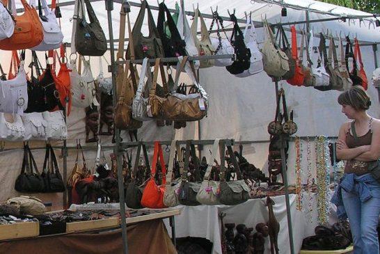 El mercadillo de Isla Cristina se traslada este domingo a la Avenida de los Marineros