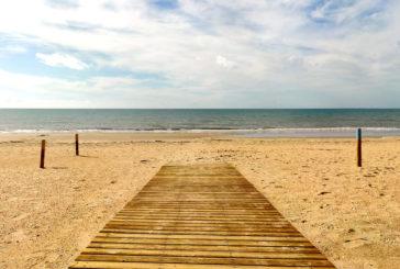 Islantilla mantiene todos los servicios de la playa operativos pese a la DANA