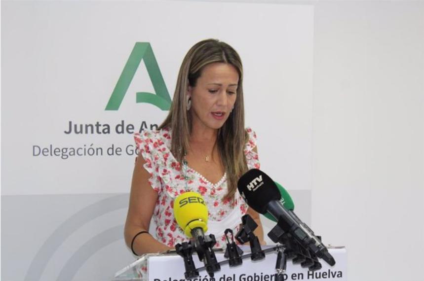 La delegada de la Junta dice que es una «gran noticia» que Huelva salga del riesgo