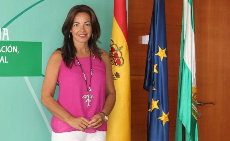 La delegada de Turismo visita los hoteles afectados por el temporal en Islantilla