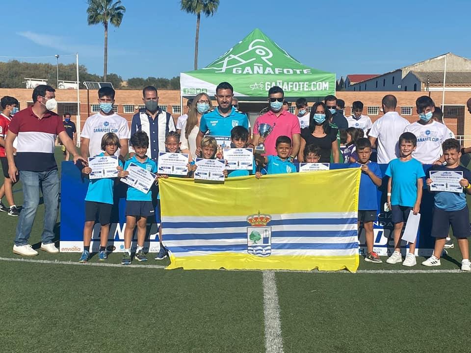 Los canteranos del Isla Cristina disfrutaron en la «Gañafote Cup 2021»