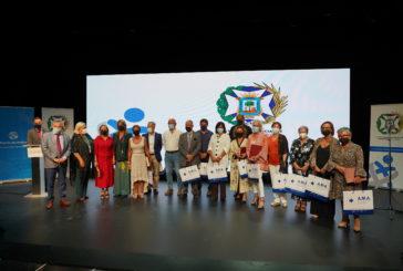 El colegio de enfermería reconoce con su medalla al mérito a Isaac Florido y Ángela Ortega